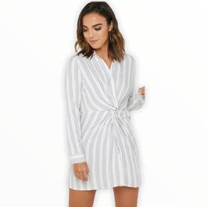 FOREVER 21 Contemporary Front Twist Striped Dress